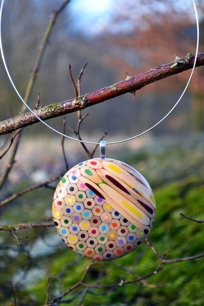 colored-pencil-jewelry-carbickova-49