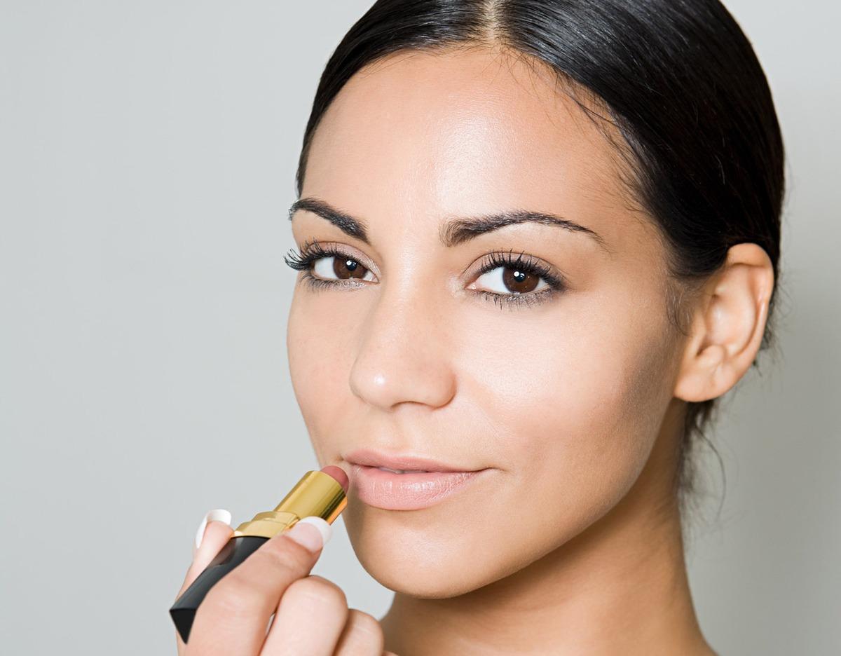 skin-tone-lipstick